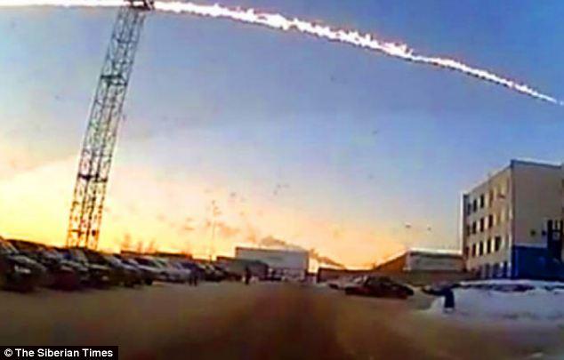 500 të lënduar nga rënia e meteorit në Rusi